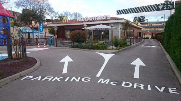 mc donald-clermont-drive-parking-marquage
