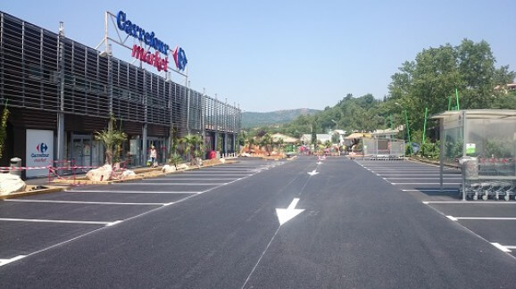 carrefourmarket-quillan-marquage-repeinte-parking-flèche