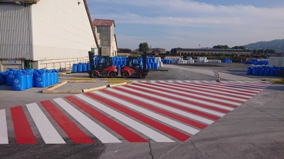 carrefour-signalisation-timac-agro-zébras-marquage-sol